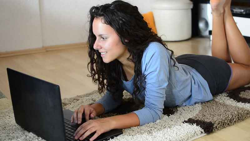come conquistare una ragazza su Facebook e internet in generale
